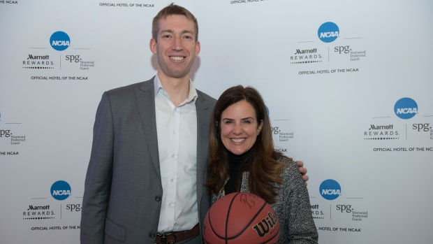 Robbie Hummel March Madness