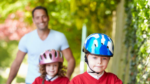 TEACHING YOUR KID TO RIDE A BICYCLE