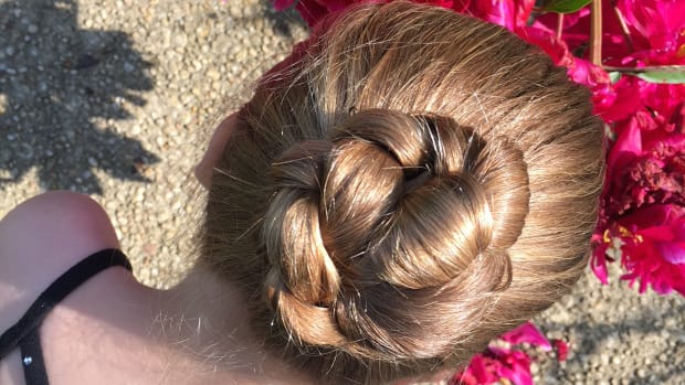 easy ballerina bun, bun, ballerina bun, dancer bun, secure hair for dancers, dancers hair, hair for dancers, dance recital, recital dos, dance recital hair, hairstyles for dancers. recital Ballerina bun