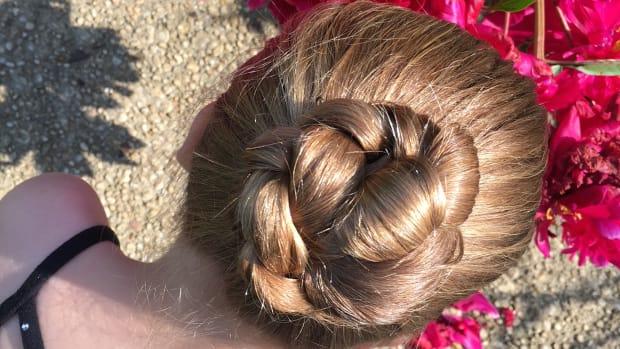 easy ballerina bun, bun, ballerina bun, dancer bun, secure hair for dancers, dancers hair, hair for dancers, dance recital, recital dos, dance recital hair, hairstyles for dancers. recital Ballerina bun