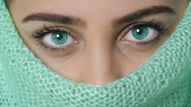 tips for contacts, how to wear contacts, contact lenses, protect your eyes, lenses, how to wear lenses, best tips for contact lenses, best tips for wearing lenses, tips for wearing contacts, best tips for wearing contact lenses