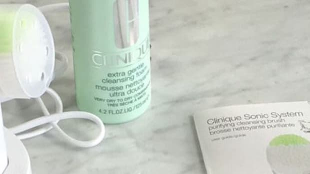 clinique brush