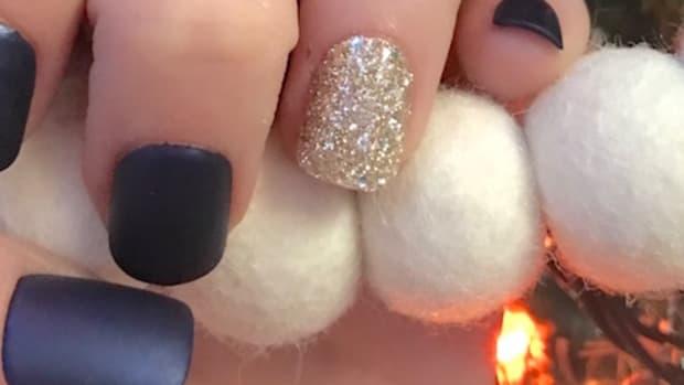 kiss nails easy holiday manicure fake nails