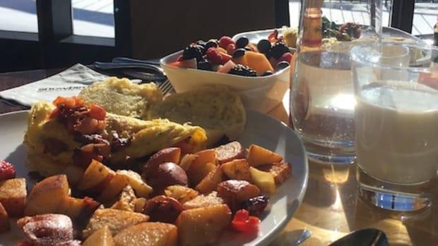 align breakfast