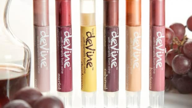 deVine lip shimmers wine infused