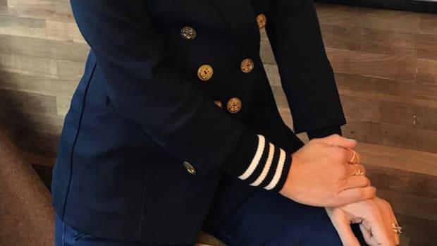 navy blazer for spring banner
