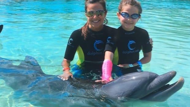 dolphin encounter atlantis