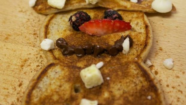 Mighty Oats Snowman Pancakes