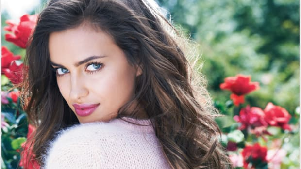 Avon-Perfect-Kiss_Irina-Shayk