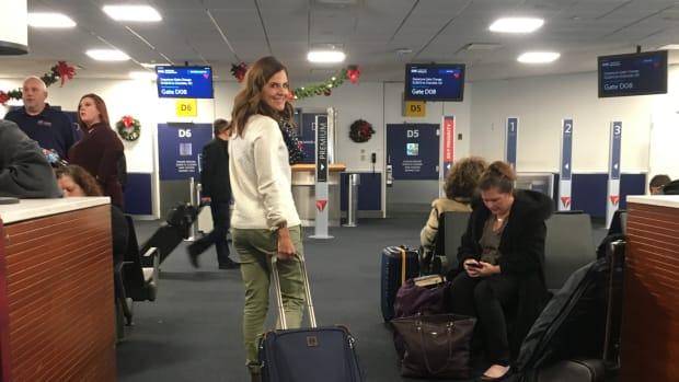 Best Overhead Roller for Women Travelers