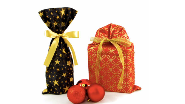 Hostess Holiday Gift Guide for Parties