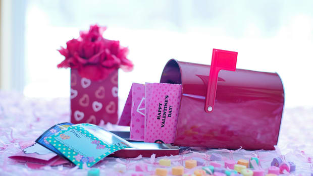 2 Sweet Kids' Valentine Baskets