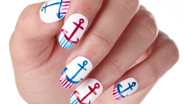 Labor Day Nail Art: Anchor Nails