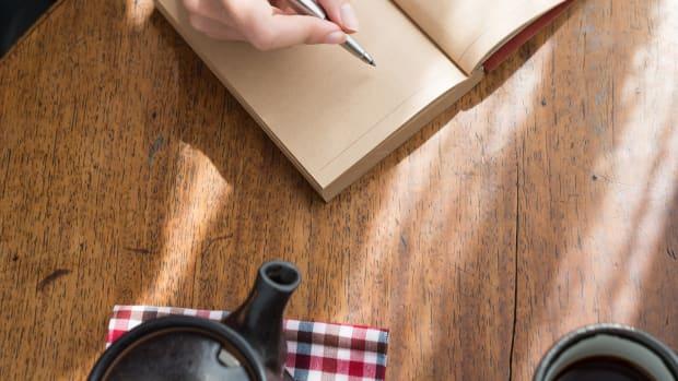 using the bullet journal method, bullet journal, the bullet journal method by ryder carroll, review of the bullet journal method, ryder carroll's bullet journal, how to use a bullet journal, bullet journal, intentional living, mindfulness, mental health, journal for better mental health