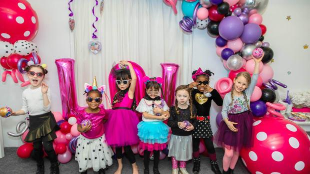 lol surprise party girls
