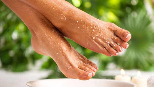 DIY Beauty Solution for Rough Dry Feet