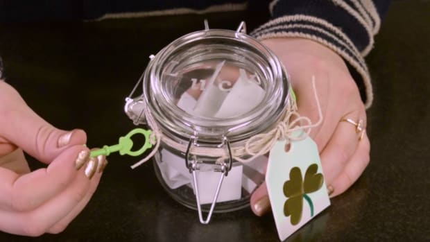 Craft Corner Lucky Shamrock Jar with Printable