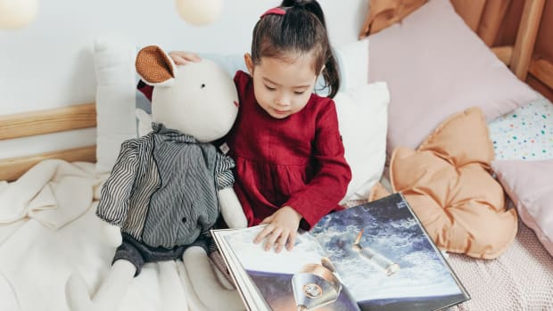 How to Create a Cozy Reading Nook for Kids