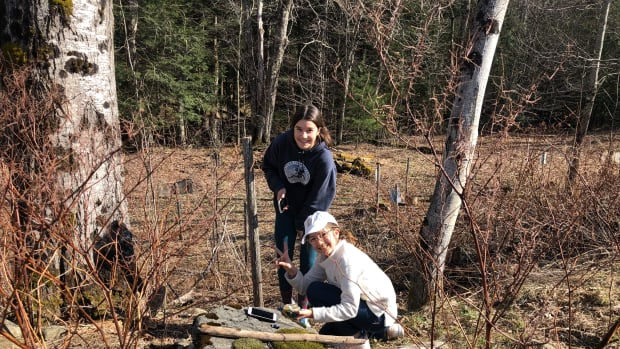 Keep Teens Busy Outdoors with Geocaching