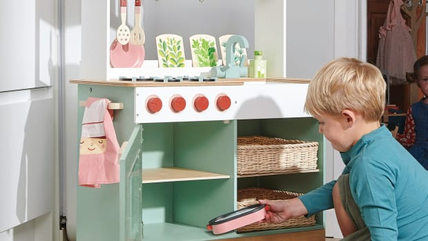 The Ten Best Wooden Play Kitchens For Kids