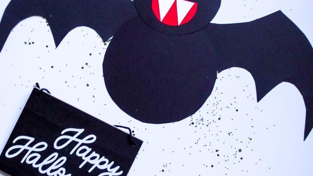 Easy Halloween Bat Paper Craft