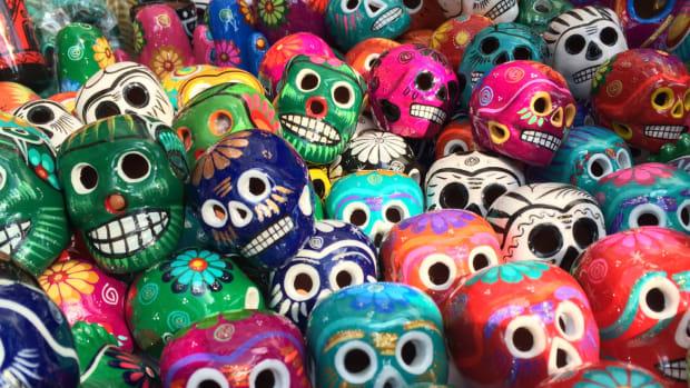 Celebrate with Kids Around the World Dia de Muertos