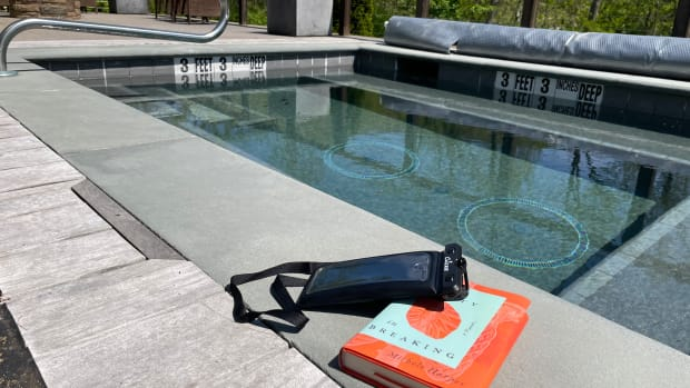 How to Protect Your Phone From Getting Wet This Summer