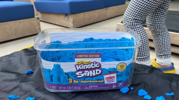 You Need to Know the Seven Amazing Benefits of Kinetic Sand