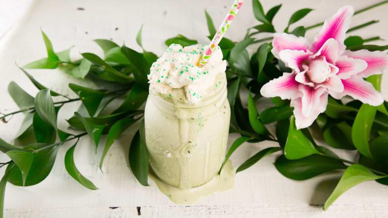Green and Tasty Boozy Matcha Shake Recipe