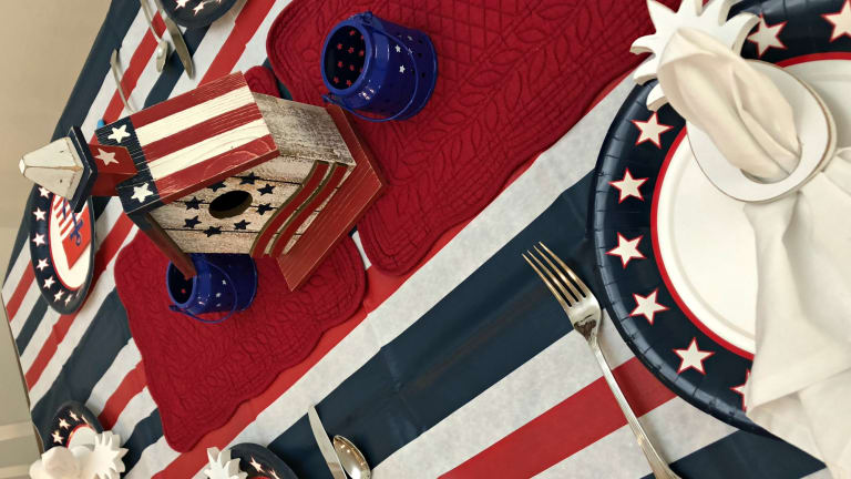 Easy Fourth of July Tablescape Ideas