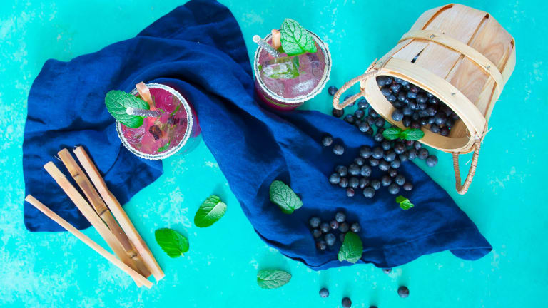 A Refreshing Blueberry Mojito Cocktail