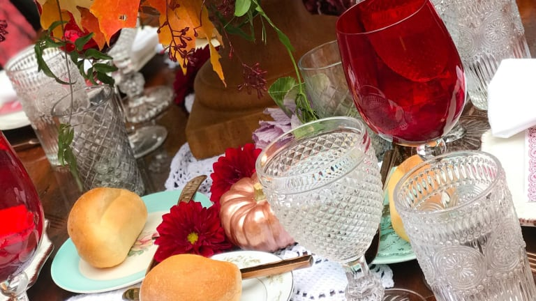 How to Create a Gorgeous Thanksgiving Tablescape