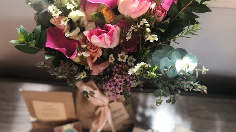 How to Properly Care for Flowers and Prolong a Bouquet's Life