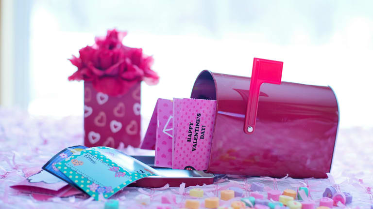10 Valentine's Day Mailboxes: Craft With Your Kids!