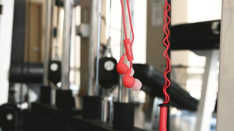 Sleek Headphones from CordCruncher