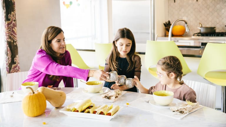 Momtrends Thanksgiving Special with Stella McCartney