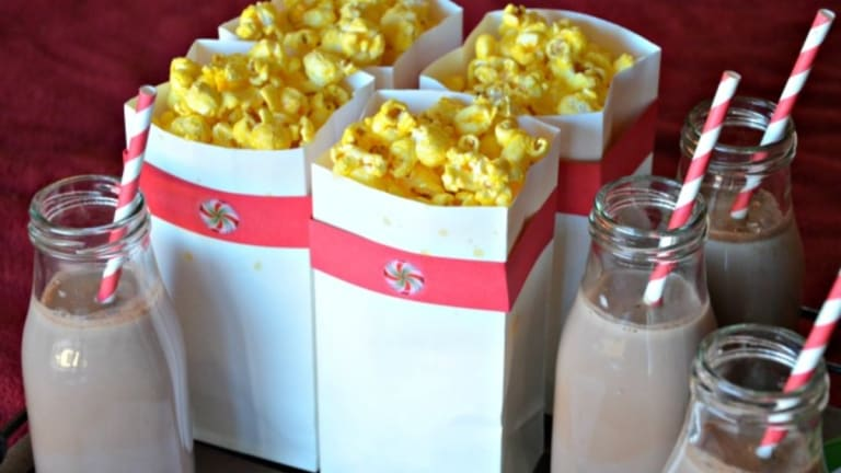 Christmas Movie Night + FREE Printable Movie Trivia Cards!