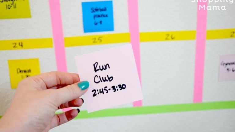 Create a Color-Coded Family Calendar Using Post-it Notes