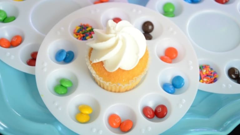 How to Throw an Art Party: Cupcakes and Canvases