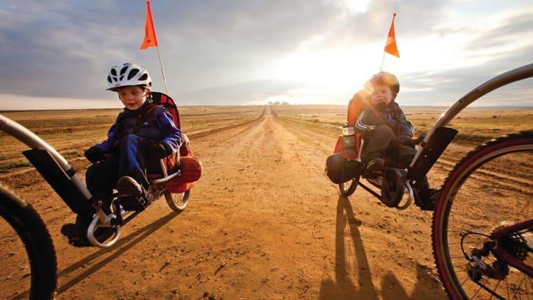 Road Testing the Weehoo Bike Trailer for Families
