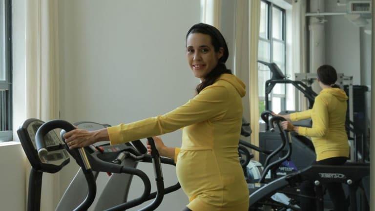 Sporty Pregnancy Fashions
