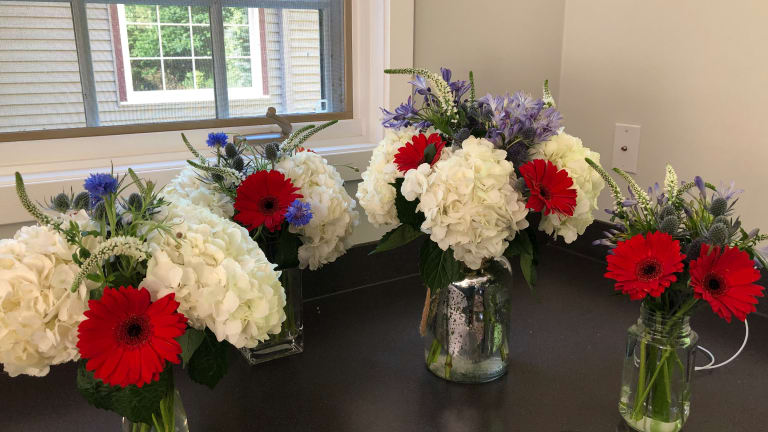Diy 4th Of July Flower Bouquet Momtrends