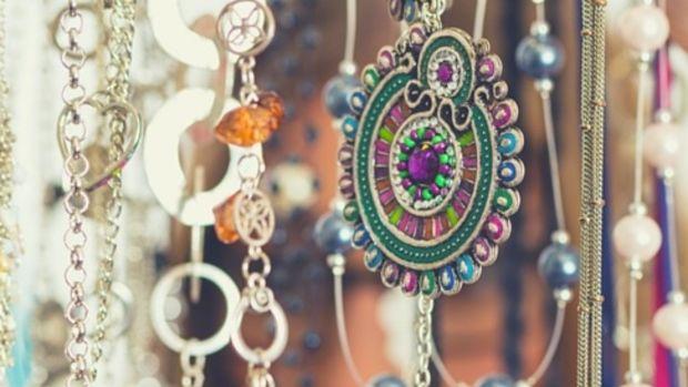 Jewelry header