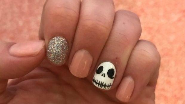 jack skellington manicure