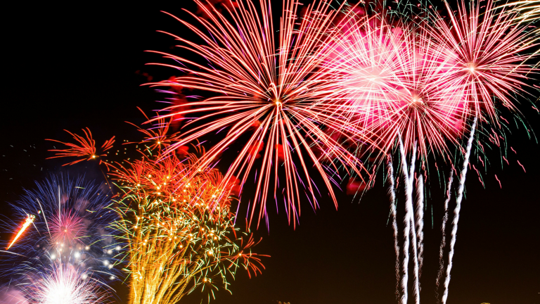 How to Take a Beautiful Fireworks Photo
