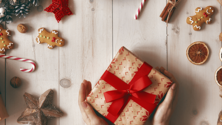 10 Days of Holiday Giveaways