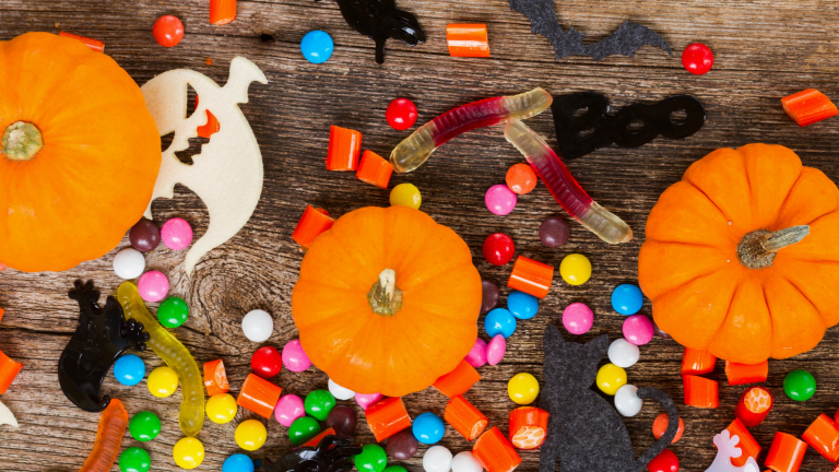 How to Keep Your Kids' Smiles Healthy on Halloween