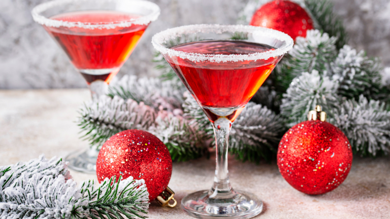 How to Make Your Signature Holiday Cocktail a Hit