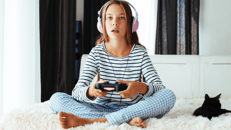 4 Tips to Help You Manage Your Kids' Screen Time