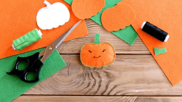Halloween No-Sew Pumpkin Ponytail Holder